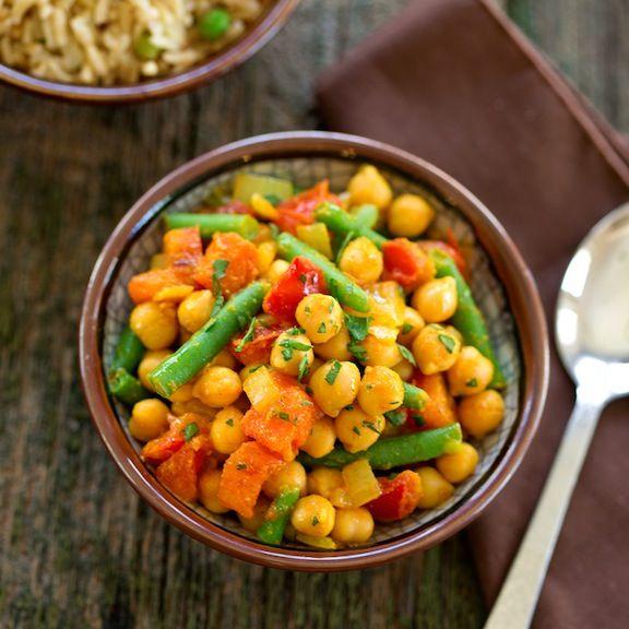 Chana masala - curried chickpeas recipe | Good eats! | Pinterest