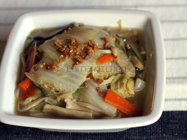 Braised Napa Cabbage and Mushrooms (台式白菜滷) | Lama Kitchen ...
