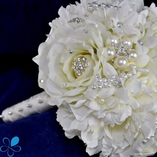 White Rose Bouquet - Blue Petyl Bouquets | Gorgeous ...