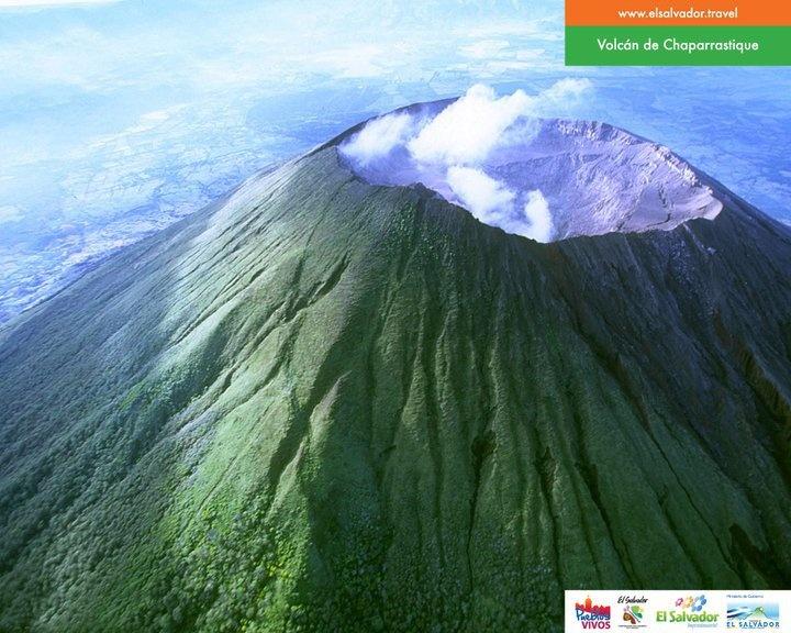 Cono del Volcán CHAPARRASTIQUE o Volcán de San Miguel, El Salvador.  Foto descargada del Fan Page en Facebook: EL SALVADOR DE AYER Y HOY (https://www.facebook.com/pages/EL-SALVADOR-DE-AYER-Y-HOY/197737380255887?sk=wall)