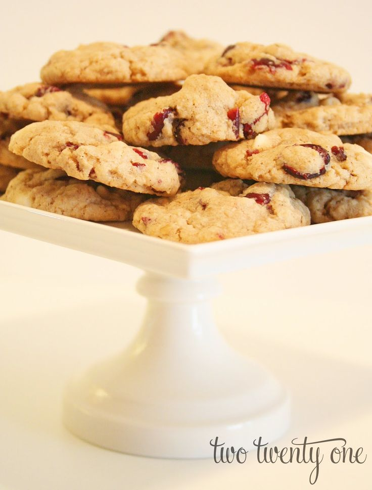 WCCCO Cookies {White Chocolate Chip Cranberry Oatmeal Cookies}