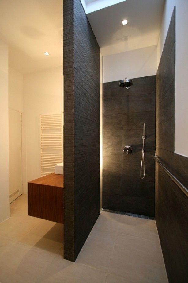 Mooie douche met muur van natuursteen  Badkamer  Pinterest