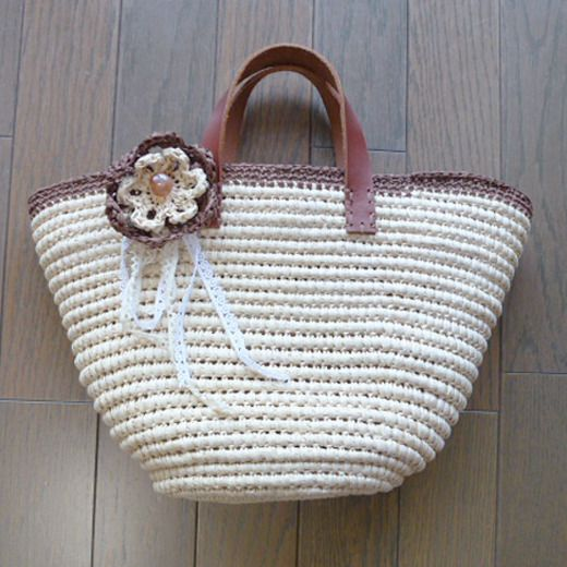 crochet purse http://www.felissimo.co.jp/kraso/pot/v2/cfm/products_detail001.cfm?GCD=I80775&GWK=3639&iid=p_fc_000000_SCH&wk=60125