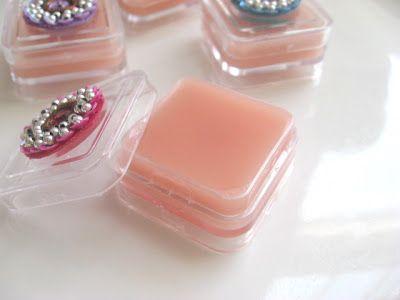 Homemade Healthy Lip Balm--super easy. Never buy Chapstick again!