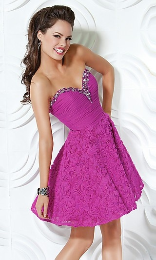homecoming dresses- I need to start looking!!