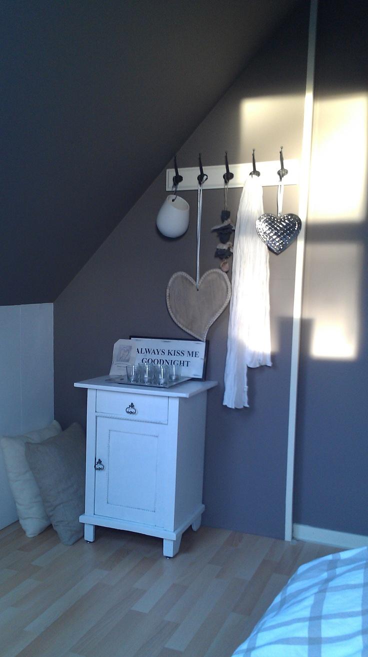 Kleine slaapkamer makeover  Moodboard voor woonideeën  Pinterest