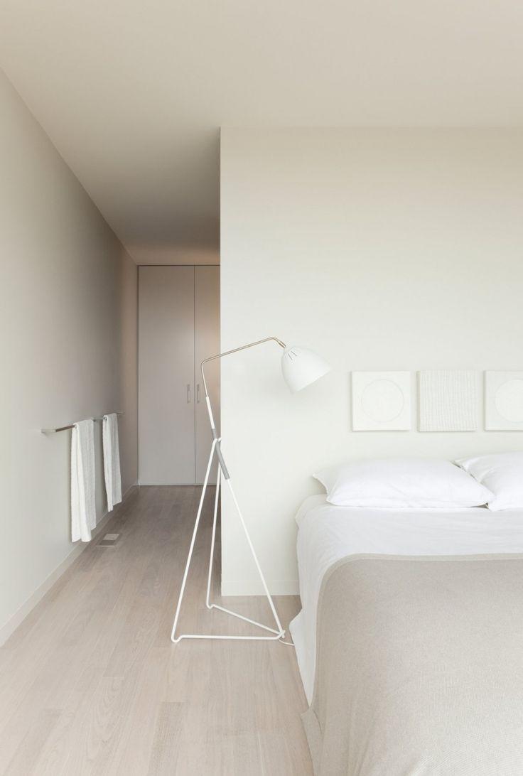 Ridge Road Residence by StudioFour. Floor lamp 'Lean' designed by Jenny Bäck for Örsjö belysning.
