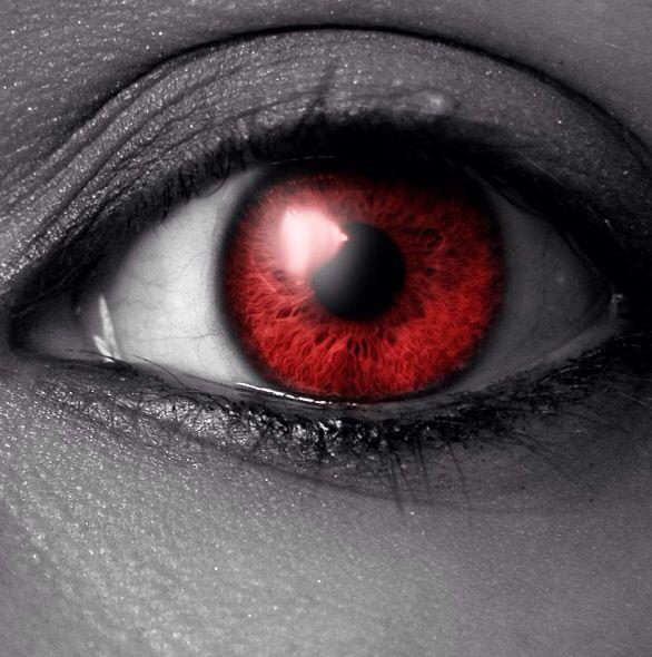 Как себе сделать глаза вампира 234