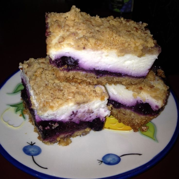 BLUEBERRY #CHEESECAKE #BARS - Please like share repin Thanks! :)