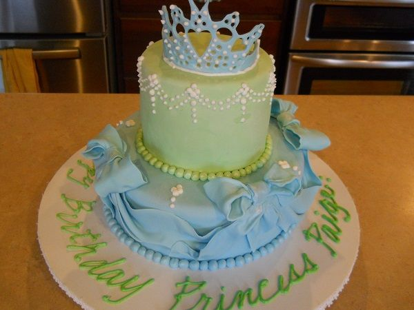 girls first birthday cake princess theme  Libbie P. cakes  Pinterest