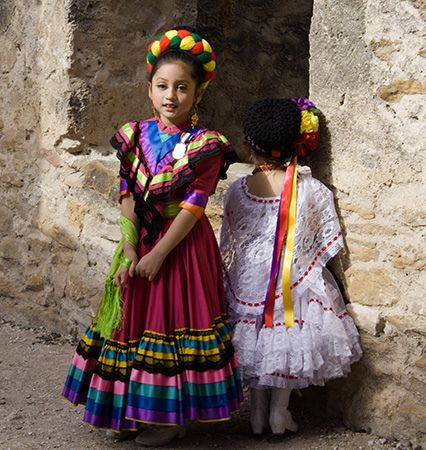 Mexican girls in traditional dresses mexican folk pinterest