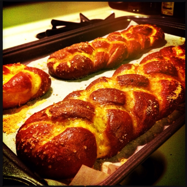 Pretzel Challah - recipe from The Shiksa. Can't believe I Actually ...