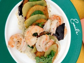 Emeril's Fried Green Tomatoes with Shrimp and Remoulade Sauce