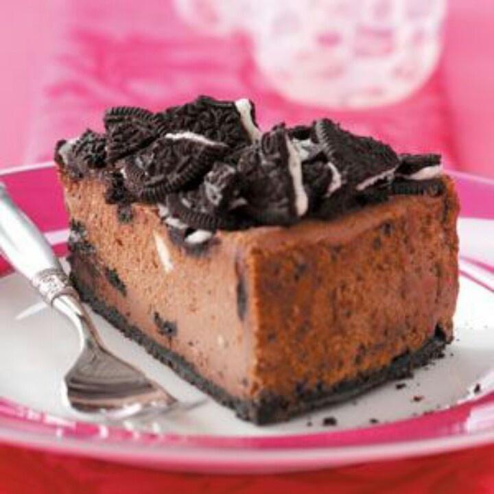 Chocolate cookie cheesecake | Good eats | Pinterest