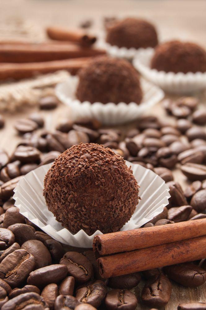 Easy Homemade Chocolate Truffles Recipe | Mmm Yum | Pinterest