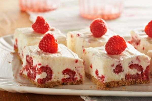 No-Bake Raspberry-Lemon Bars | KitchenDaily.com gonna use strawberries