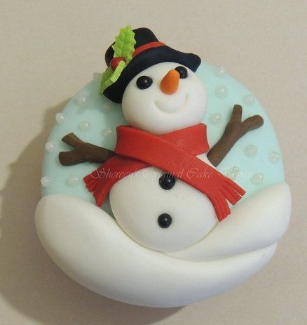 Snowman cupcake - For all your cake decorating supplies, please visit craftcompany.co.uk
