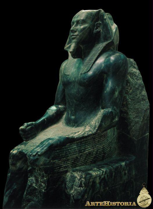 estatua sedente: