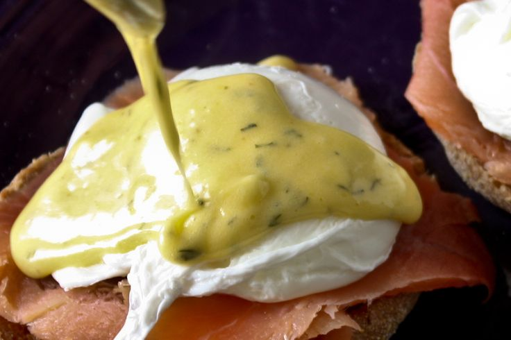 Smoked Salmon Eggs Benedict. Fabulous recipe and a step by step guide ...