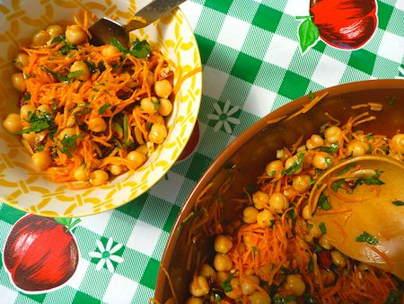 Spiced carrot salad with fried almonds | DTE Recipe Ideas // Dinner ...