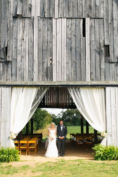 barn wedding | Lang Thomas #wedding