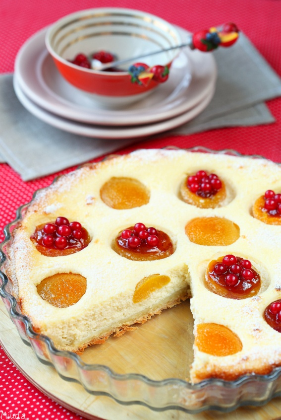 Apricot cheese tart with red currant | Favorite Food | Pinterest