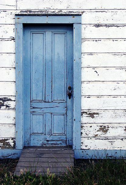 Chippy Pantone Placid Blue Door