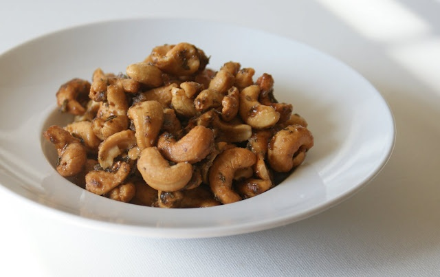 brown sugar and rosemary cashews   Party Food   Pinterest
