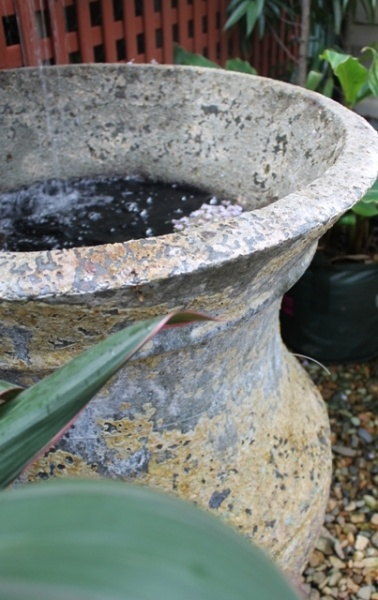 Plant Pot As Water Feature Water In The Garden Pinterest