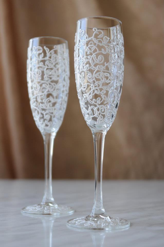 Свадебные бокалы для молодоженов ручной работы