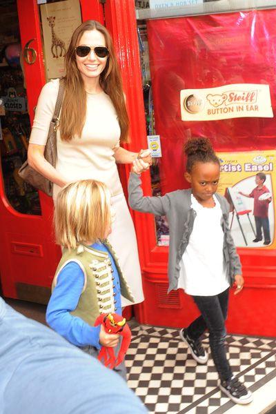 Angelina Jolie takes Zahara and Shiloh shopping