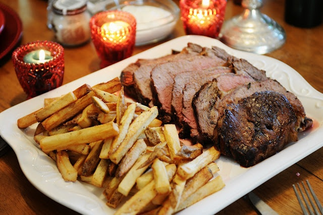 Prime rib and homemade fries by simply gourmet photography