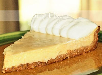 Key Lime Pie with Macadamia Nut Crust | low carb and almond flour | P ...