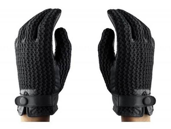 Who's buying me these for Crochet Touchscreen Gloves Christmas? Love these from the Mujjo store, hat tip to Mashable.