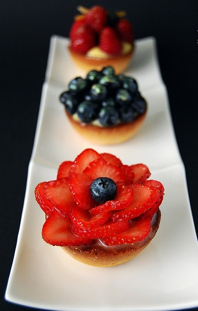 Strawberry and Blueberry Tarts | Foody | Pinterest