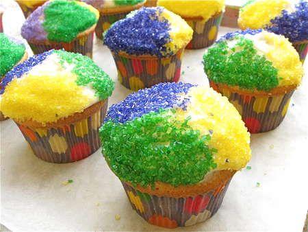 mardi gras king cake - cupcakes!