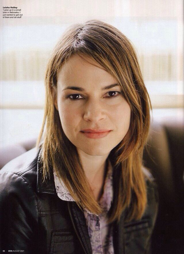 The l word leisha hailey and rose rollins 02