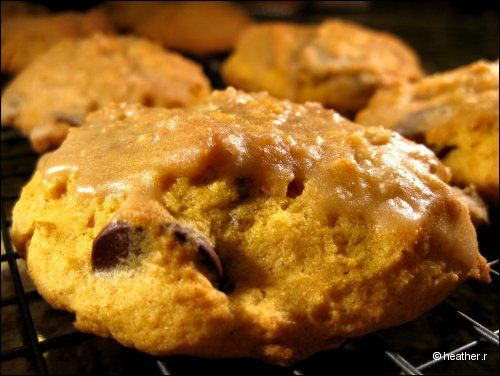Glazed Pumpkin Chocolate Chip Cookies | Sweet Treats | Pinterest