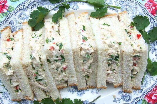 Jubilee Chicken Sandwiches...http://www.pinterest.com/anythingwilldo ...