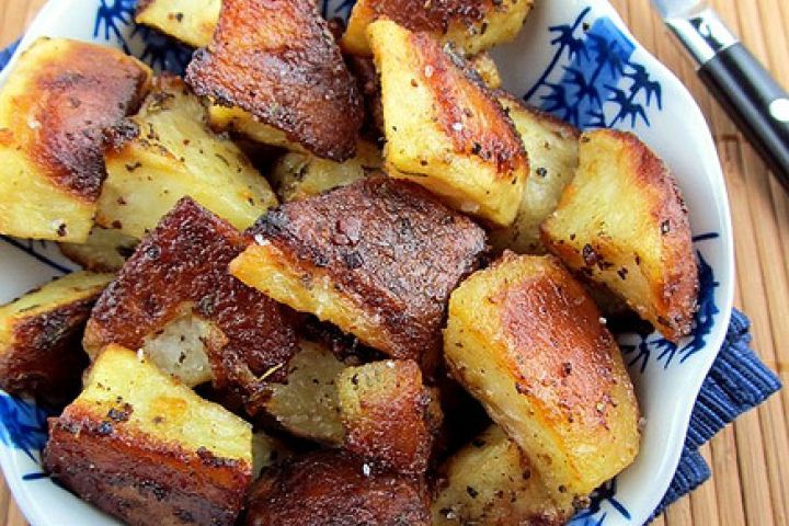 Roasted Mustard Potatoes - insanely flavorful mustard dressing forms a ...