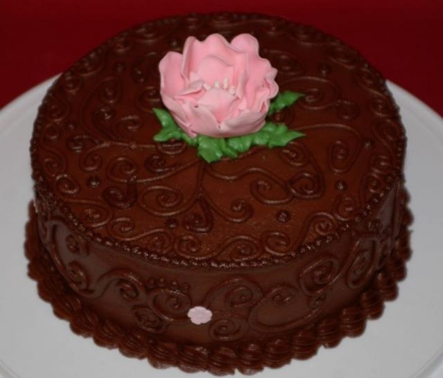 Cake Decorating With Buttercream Pinterest : Buttercream - Chocolate Scrolls CAKE DECORATING IDEAS ...