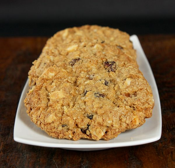 thick & chewy oatmeal raisin cookies w/ white chocolate chunks ...
