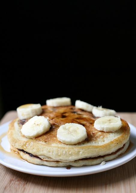 Vegan Banana Chocolate Chip Pancakes | What's Cookin Good Lookin? | P ...