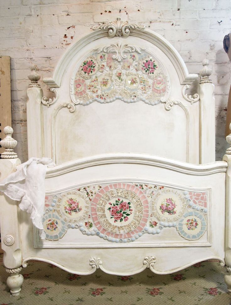 shabby chic mosaic bed my style pinterest. Black Bedroom Furniture Sets. Home Design Ideas