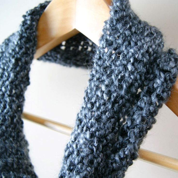 Cowl Knitting Patterns For Beginners : Cowl: Simple Beginners Loom Knit Tutorial