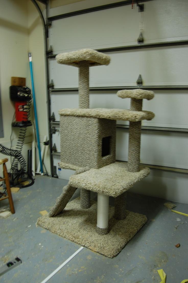 Will 39 s homemade cat house pet crafts pinterest for Build a cat climber