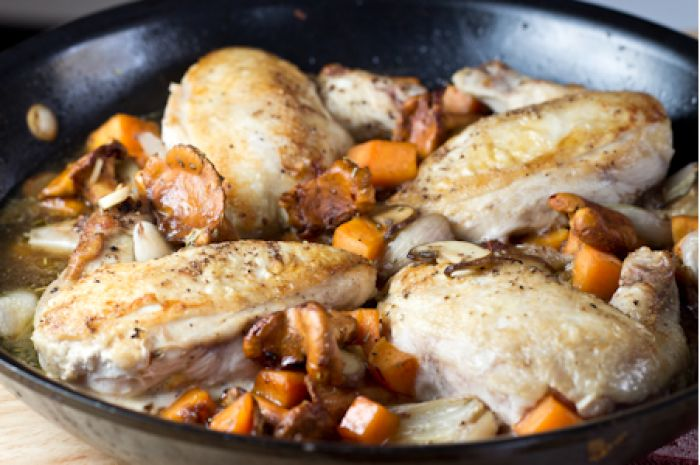 Skillet Bacon Jam Chicken- We love the bacon jam. We bought two jars ...