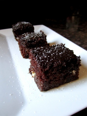 Chocolate Chip Zucchini Brownies ... no butter??? And zucchini! Sounds ...