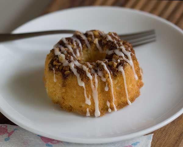 Mini Sour Cream Coffee Cake. #comfortfoods #pastry #cafepastry