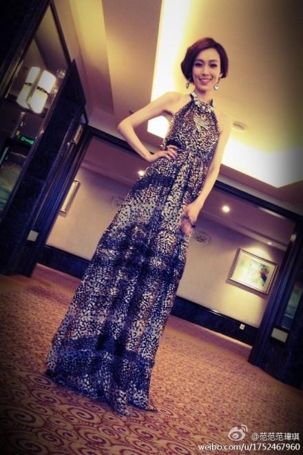 beautiful dress on beautiful woman :)